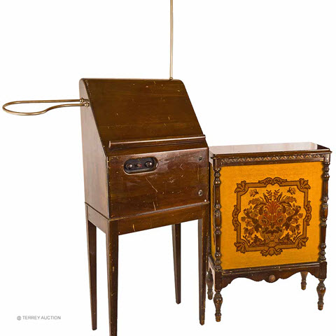 An RCA theremin - sold at auction in Carlisle, MA